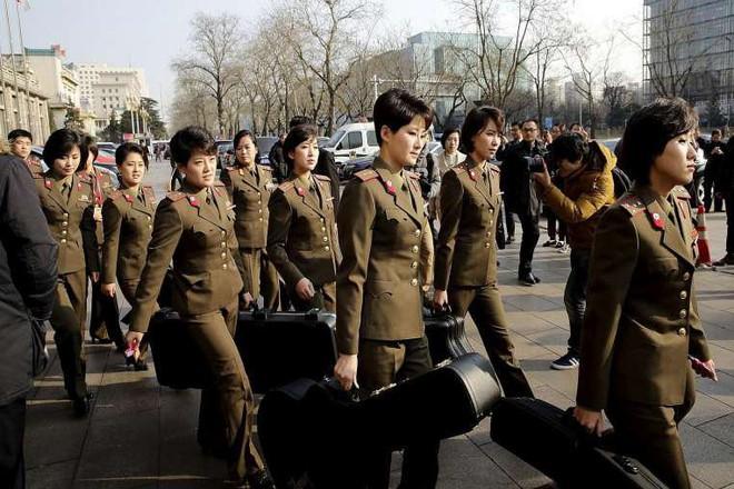 Ban nhạc nữ nổi tiếng nhất Triều Tiên xinh đẹp và quyền lực cỡ nào? - Ảnh 13.