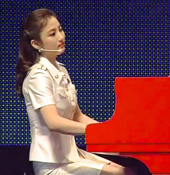 Ban nhạc nữ nổi tiếng nhất Triều Tiên xinh đẹp và quyền lực cỡ nào? - Ảnh 8.