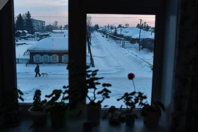 Ảnh: Cuộc sống tại một ngôi làng ở xứ Siberia lạnh cóng của nước Nga - Ảnh 2.