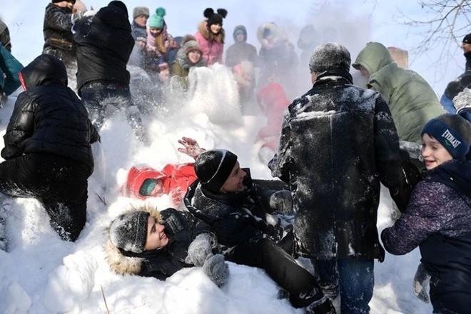 Ảnh: Cuộc sống tại một ngôi làng ở xứ Siberia lạnh cóng của nước Nga - Ảnh 12.