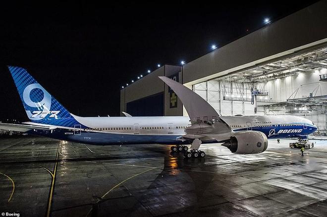 Boeing âm thầm ra mắt máy bay chở khách dài nhất thế giới - Ảnh 4.
