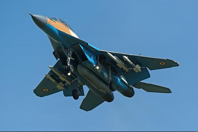 Tiêm kích Su-35 Nga vừa có thêm khách hàng mới: Thay thế MiG-21 - Ảnh 2.