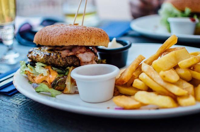 Muốn có trái tim khỏe, hãy tránh xa những thực phẩm này - Ảnh 3.