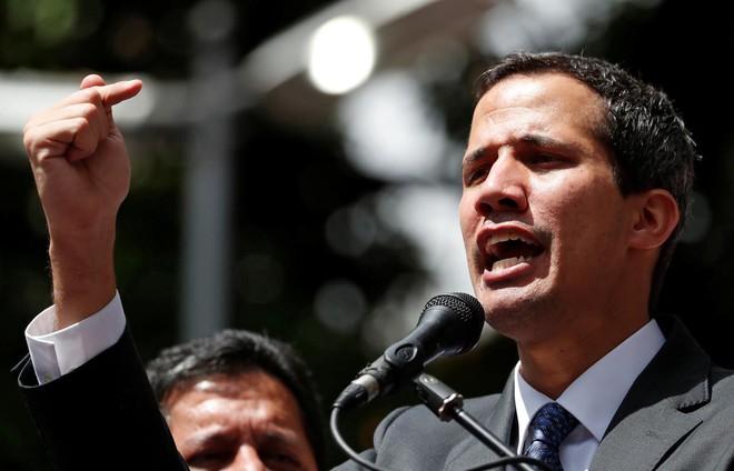 Cục diện mới trong cuộc giằng co quyền lực ở Venezuela khi quân bài viện trợ thất bại - Ảnh 1.