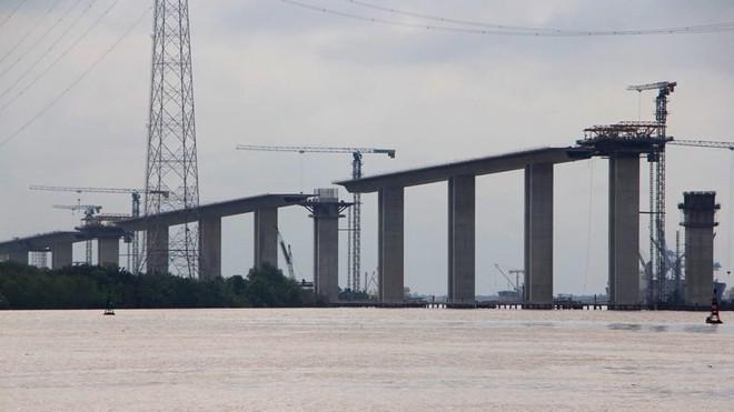 Ảnh: Cầu dây văng tĩnh không cao nhất Việt Nam trên cao tốc Bến Lức - Long Thành - Ảnh 4.