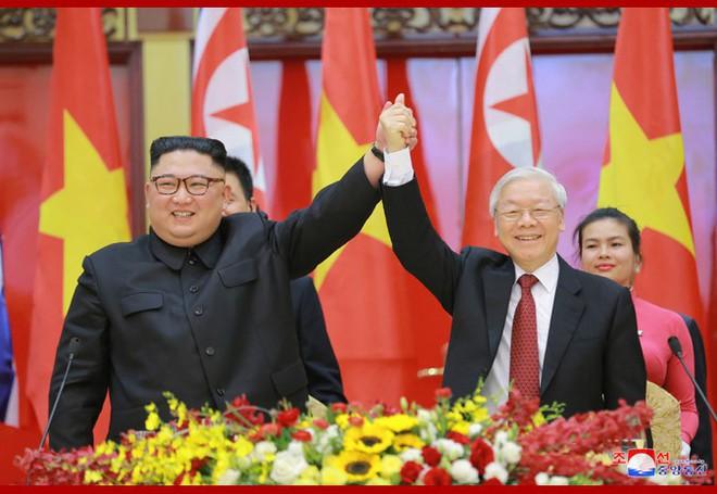 Tiệc chiêu đãi Chủ tịch Kim Jong-un tại Hà Nội qua ống kính phóng viên Triều Tiên - Ảnh 11.