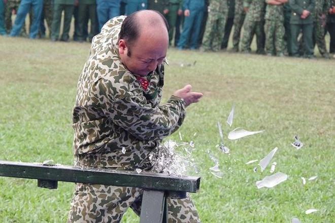 Đại đội Trinh sát 20 và đặc nhiệm Biên phòng đua tài võ nghệ, khí công - Ảnh 1.