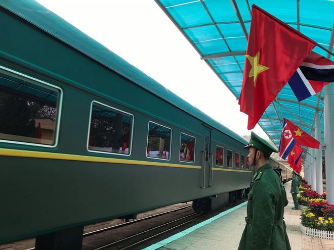 An ninh siết chặt, xe bọc thép sẵn sàng, ga Đồng Đăng chuẩn bị cho lễ tiễn Chủ tịch Kim Jong-un về nước - Ảnh 20.