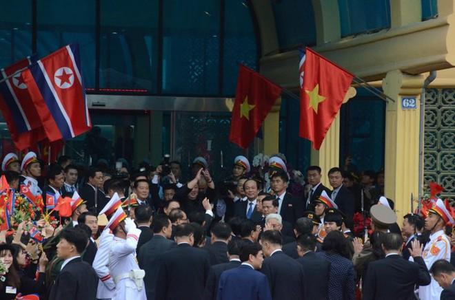 [Ảnh] Toàn cảnh hành trình từ Hà Nội đến Đồng Đăng của Chủ tịch Triều Tiên Kim Jong-un - Ảnh 67.