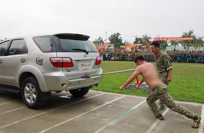 Đại đội Trinh sát 20 và đặc nhiệm Biên phòng đua tài võ nghệ, khí công - Ảnh 3.