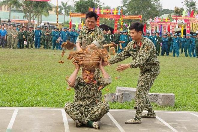 Đại đội Trinh sát 20 và đặc nhiệm Biên phòng đua tài võ nghệ, khí công - Ảnh 5.