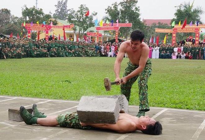 Đại đội Trinh sát 20 và đặc nhiệm Biên phòng đua tài võ nghệ, khí công - Ảnh 7.