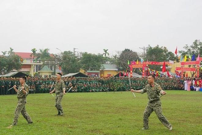 Đại đội Trinh sát 20 và đặc nhiệm Biên phòng đua tài võ nghệ, khí công - Ảnh 9.
