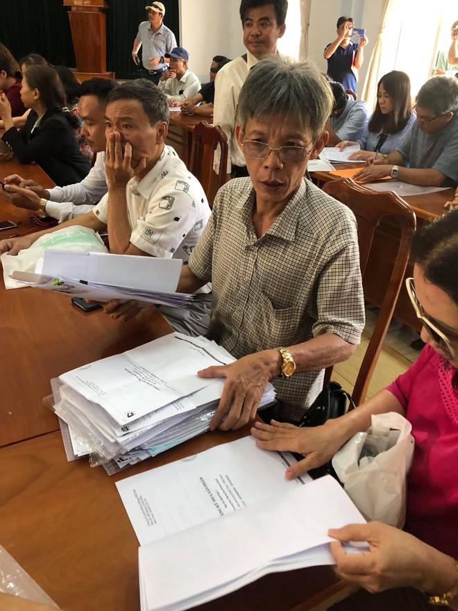 Công an Quảng Nam lên tiếng vụ người dân đòi 1.000 sổ đỏ: Việc giải quyết cần có lộ trình - Ảnh 2.