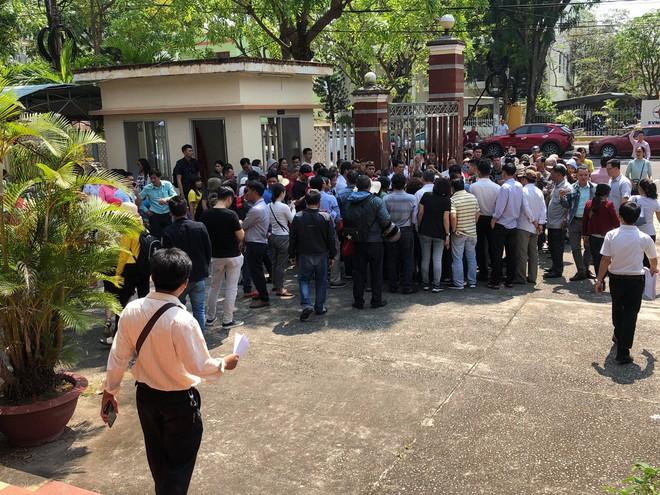 Công an Quảng Nam lên tiếng vụ người dân đòi 1.000 sổ đỏ: Việc giải quyết cần có lộ trình - Ảnh 1.