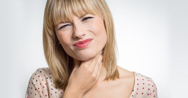 15 dấu hiệu cảnh báo ung thư phổ biến ở nữ giới: Phát hiện sớm, chữa sớm để sống lâu hơn - Ảnh 3.