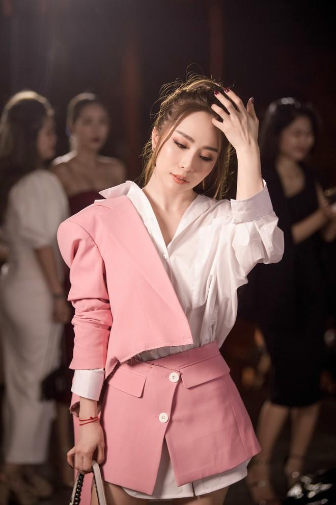 Quỳnh Nga xuất hiện sau tin đồn ly hôn Doãn Tuấn, Hương Giang thành tâm điểm vì xinh đẹp - Ảnh 2.