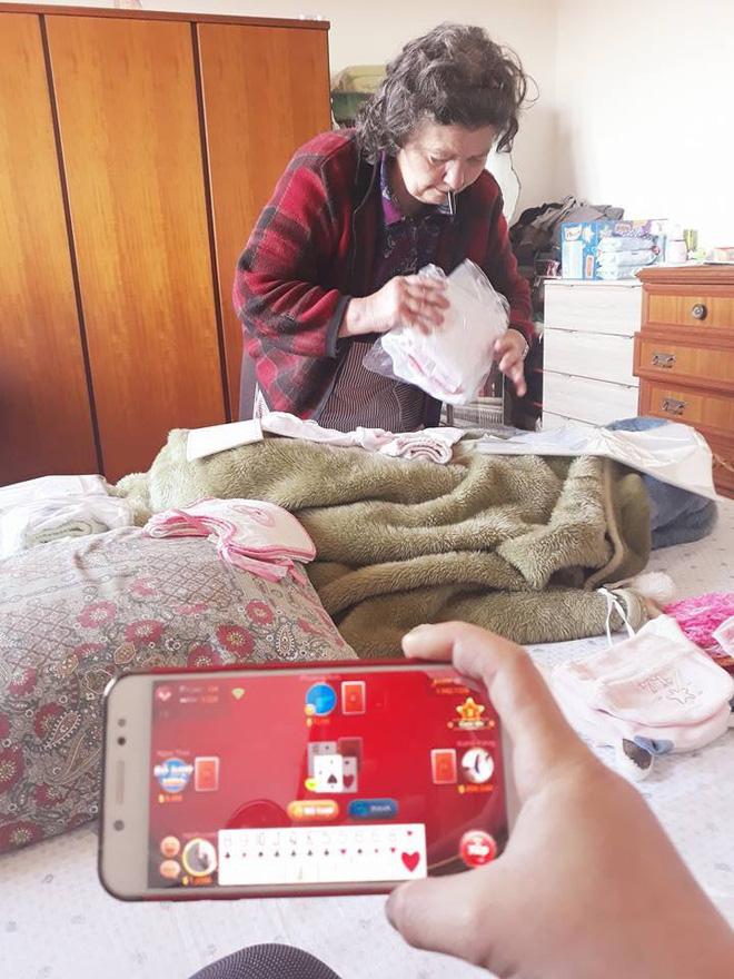Mẹ chồng người Ý dán 5 mảnh giấy lên túi đồ của con dâu Việt, nội dung khiến tất cả xúc động - Ảnh 2.