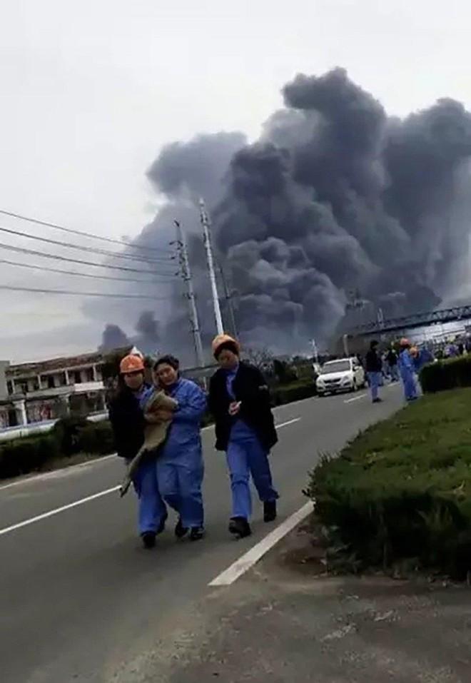 Nóng: Nổ nhà máy thuốc trừ sâu ở Trung Quốc gây động đất - Ảnh 2.