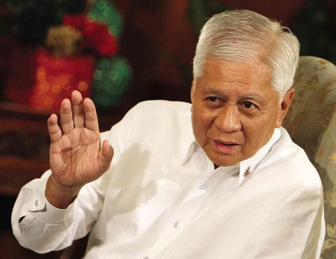 Cựu Ngoại trưởng Philippines kiện Chủ tịch TQ Tập Cận Bình ra Tòa Hình sự quốc tế vì vấn đề Biển Đông - Ảnh 1.