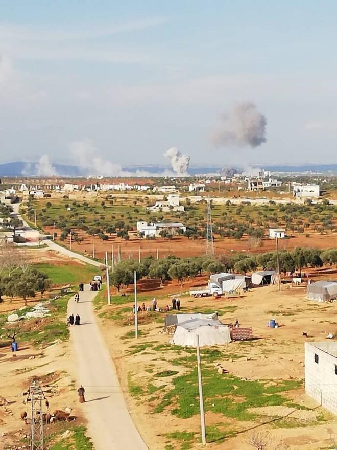 Không quân Nga ồ ạt tấn công, đợt đánh lớn chưa từng có: Syria lại nóng hơn bao giờ hết - Ảnh 1.