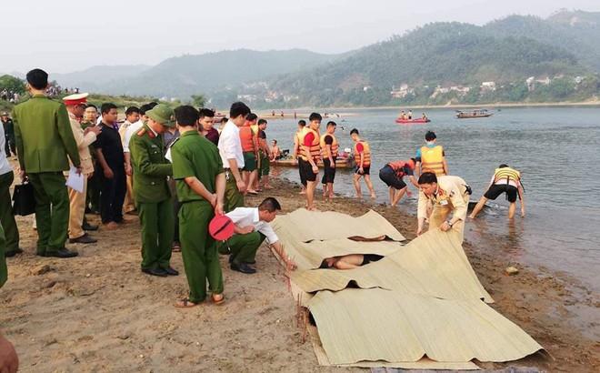 Vụ đuối nước ở Hoà Bình: Đại tang 8 học sinh trong vòng bán kính 500 mét