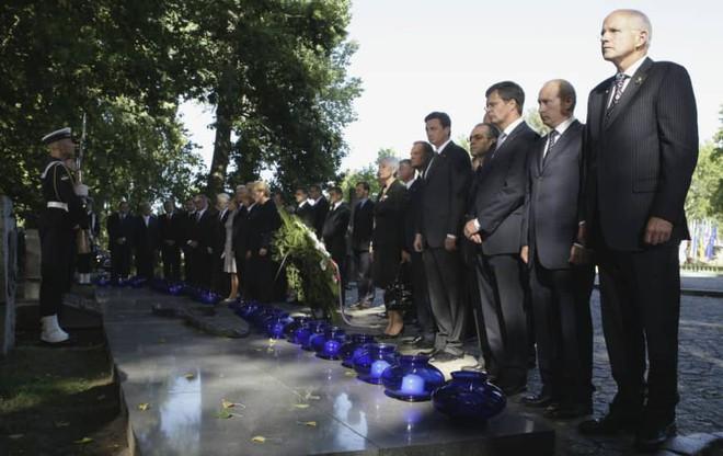 Bênh Ukraine, Ba Lan tuyên bố gạch tên ông Putin khỏi sự kiện quan trọng: Moskva bị choáng! - Ảnh 2.