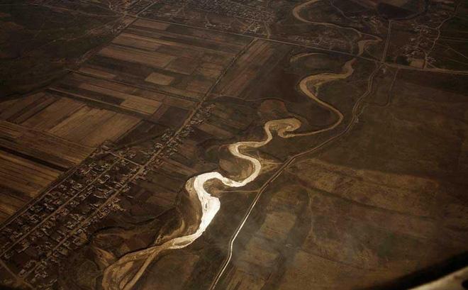 """Con sông dài thứ 2 châu Á sắp """"bốc hơi"""" khỏi Trái Đất: Điều đáng sợ gì đang xảy ra?"""