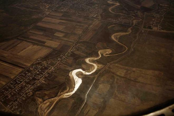 Con sông dài thứ 2 châu Á sắp bốc hơi khỏi Trái Đất: Điều đáng sợ gì đang xảy ra? - Ảnh 2.