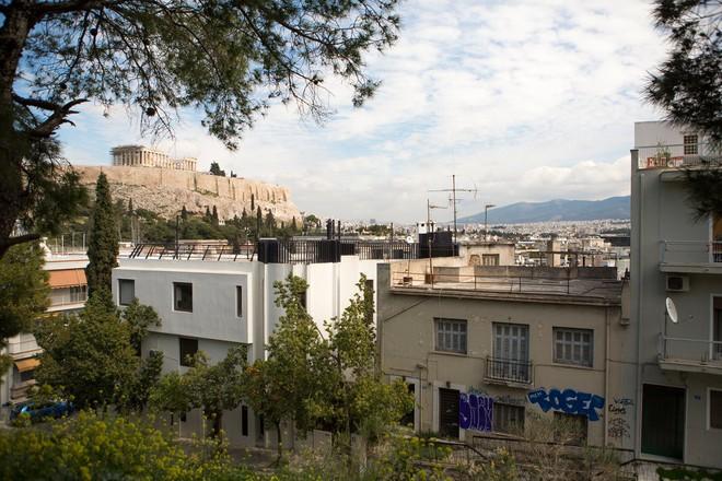 Người TQ thường bay đến Hy Lạp với vali chứa đầy tiền: Mối nguy với xứ sở các vị thần - Ảnh 3.