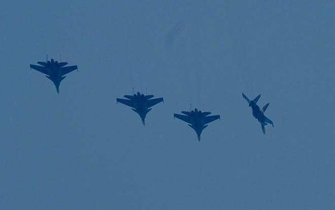 Cận cảnh chiến đấu cơ quái thú Su-30SM Hiệp sĩ Nga ở Việt Nam: Chỉ hai từ cực đẹp! - Ảnh 4.