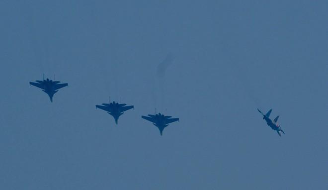 Cận cảnh chiến đấu cơ quái thú Su-30SM Hiệp sĩ Nga ở Việt Nam: Chỉ hai từ cực đẹp! - Ảnh 3.
