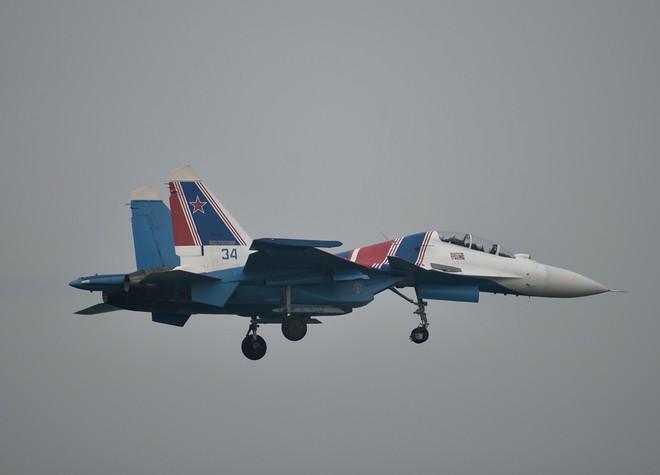 Cận cảnh chiến đấu cơ quái thú Su-30SM Hiệp sĩ Nga ở Việt Nam: Chỉ hai từ cực đẹp! - Ảnh 6.