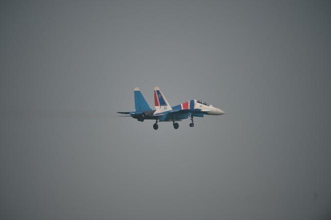 Cận cảnh chiến đấu cơ quái thú Su-30SM Hiệp sĩ Nga ở Việt Nam: Chỉ hai từ cực đẹp! - Ảnh 7.