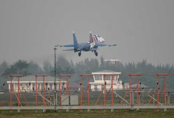 Cận cảnh chiến đấu cơ quái thú Su-30SM Hiệp sĩ Nga ở Việt Nam: Chỉ hai từ cực đẹp! - Ảnh 9.