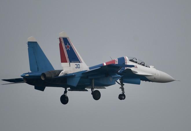 Cận cảnh chiến đấu cơ quái thú Su-30SM Hiệp sĩ Nga ở Việt Nam: Chỉ hai từ cực đẹp! - Ảnh 11.