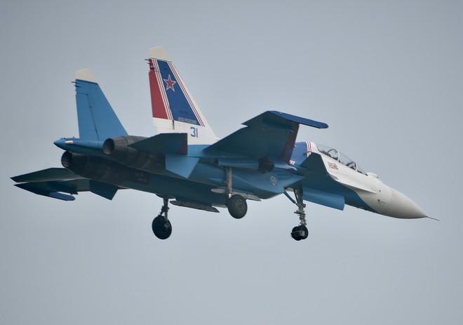Cận cảnh chiến đấu cơ quái thú Su-30SM Hiệp sĩ Nga ở Việt Nam: Chỉ hai từ cực đẹp! - Ảnh 13.