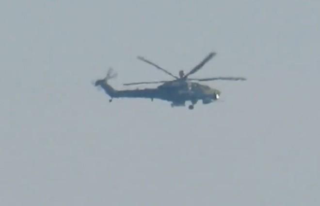 Nuốt bụi: Siêu thợ săn đêm Mi-28NM tôi luyện trong cát nóng Syria - Khủng bố khiếp sợ - Ảnh 1.