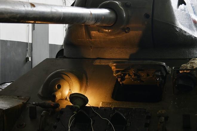 Xe tăng T-34-85 Lào vừa bàn giao chính thức hoạt động tại sư đoàn cận vệ chủ lực của Nga - Ảnh 3.