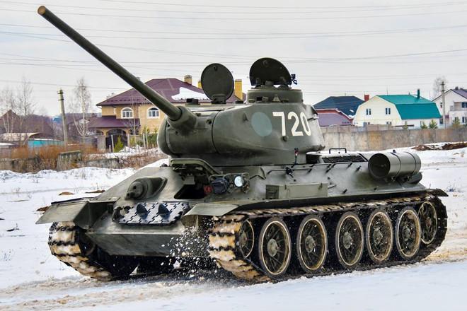Xe tăng T-34-85 Lào vừa bàn giao chính thức hoạt động tại sư đoàn cận vệ chủ lực của Nga - Ảnh 8.