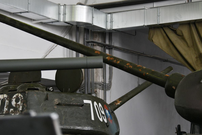 Xe tăng T-34-85 Lào vừa bàn giao chính thức hoạt động tại sư đoàn cận vệ chủ lực của Nga - Ảnh 5.