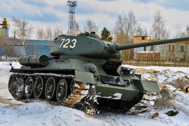 Xe tăng T-34-85 Lào vừa bàn giao chính thức hoạt động tại sư đoàn cận vệ chủ lực của Nga - Ảnh 9.