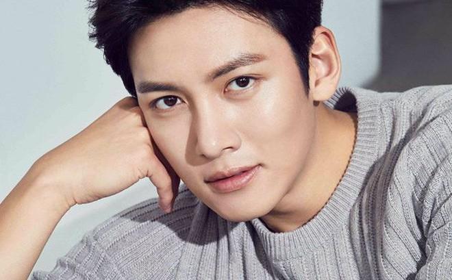 """Sự thật việc mỹ nam """"Hoàng hậu Ki"""" Ji Chang Wook có dính líu đến hộp đêm thác loạn của Seungri"""
