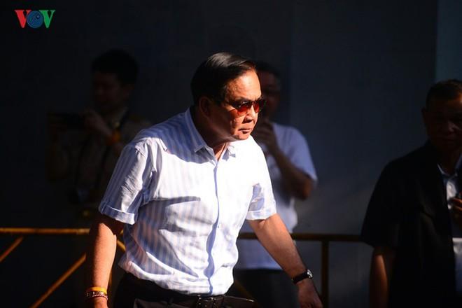 Thủ tướng Thái Lan xếp hàng đi bầu cử - Ảnh 15.
