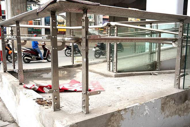 Sau nhiều lần lỡ hẹn, đường sắt Cát Linh-Hà Đông đang xây dựng thế nào? - Ảnh 3.