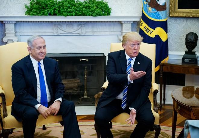 Một lời ủng hộ Israel, ông Trump làm Thổ Nhĩ Kỳ náo loạn, mở tiền lệ nguy hiểm ở biển Đông - Ảnh 1.