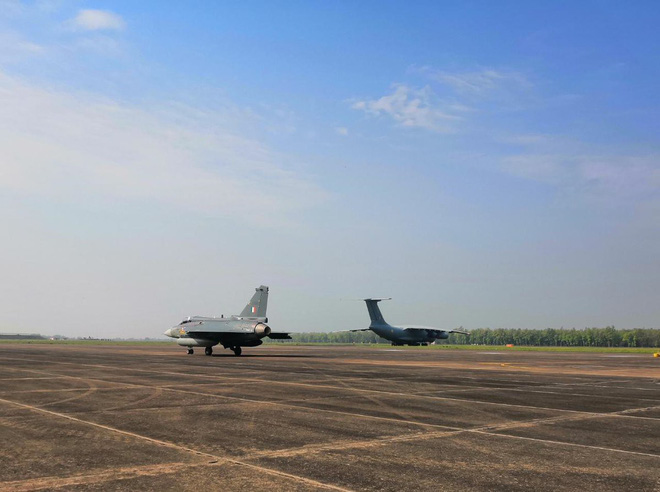 Ấn đem tiêm kích Tejas đến Malaysia để hất cẳng JF-17 Trung Quốc: Cái kết bất ngờ chờ sẵn - Ảnh 2.
