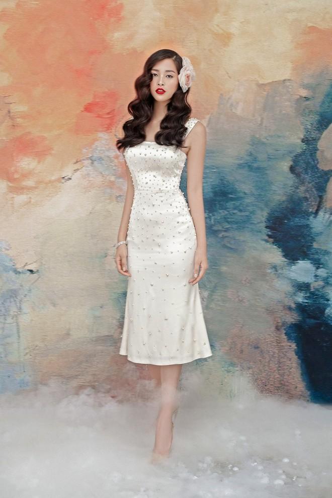 Hoa hậu Tiểu Vy gợi cảm và quyến rũ ở tuổi 19 - Ảnh 13.