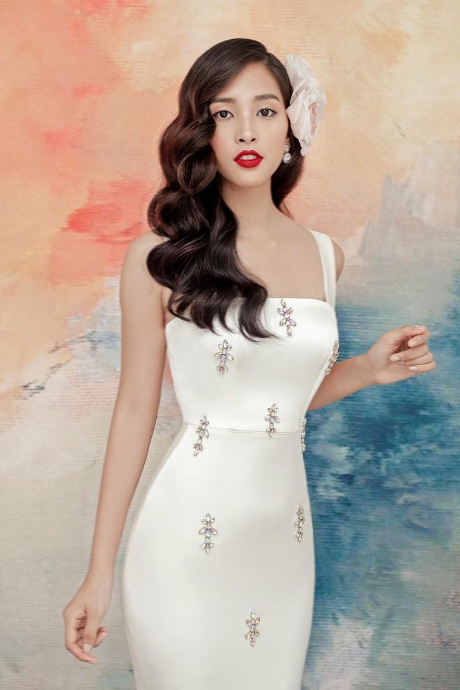 Hoa hậu Tiểu Vy gợi cảm và quyến rũ ở tuổi 19 - Ảnh 11.