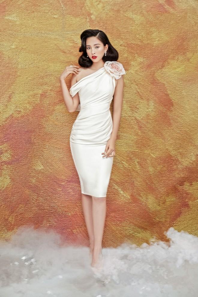 Hoa hậu Tiểu Vy gợi cảm và quyến rũ ở tuổi 19 - Ảnh 12.